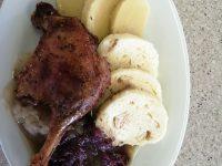 Vaříme Svatomartinské Menu Pečené Kachní Stehno, Variace Knedlíků, červené A Bílé Zelí | SOS a SOU KH