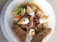 Vaříme Zeleninový Salát S Tuňákem, Cereální Pečivo | SOS a SOU KH